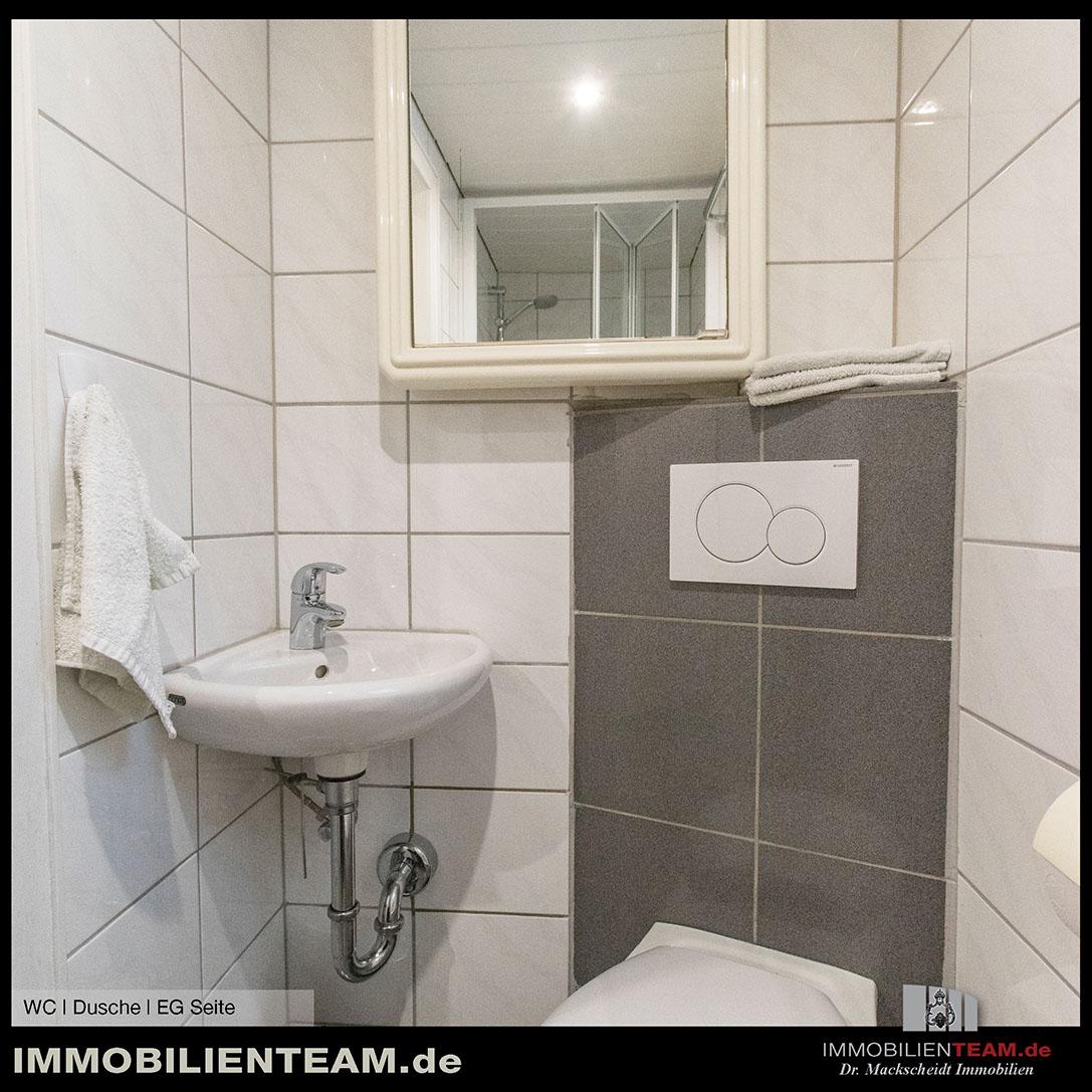 doppelhaush lfte ehemaliges polizeidienstgeh ft. Black Bedroom Furniture Sets. Home Design Ideas